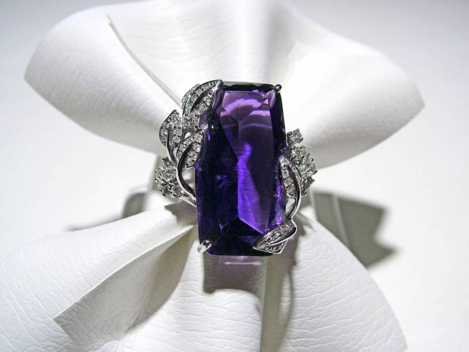 Anello Diamanti e Ametista frontale