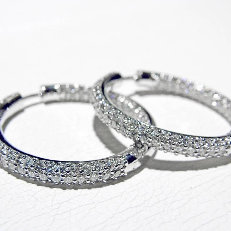 Orecchini Cerchio Oro Bianco e Diamanti