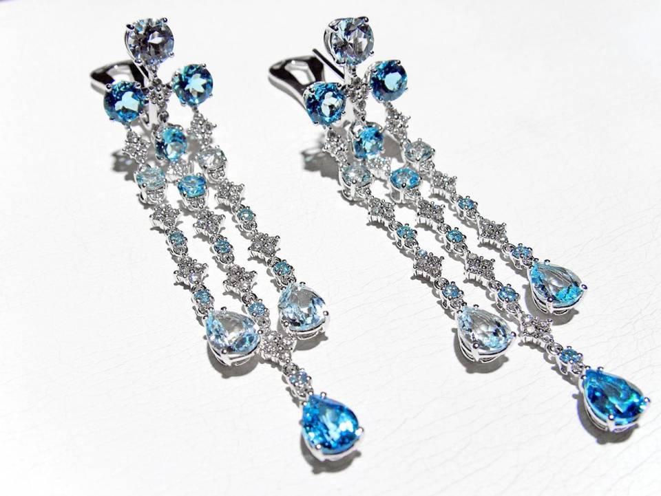 Orecchini Pendenti Oro bianco Diamanti Topazi Azzurri - frontale