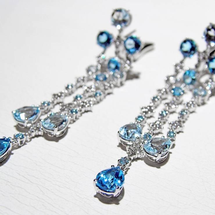 Orecchini Pendenti Oro bianco Diamanti Topazi Azzurri - laterale